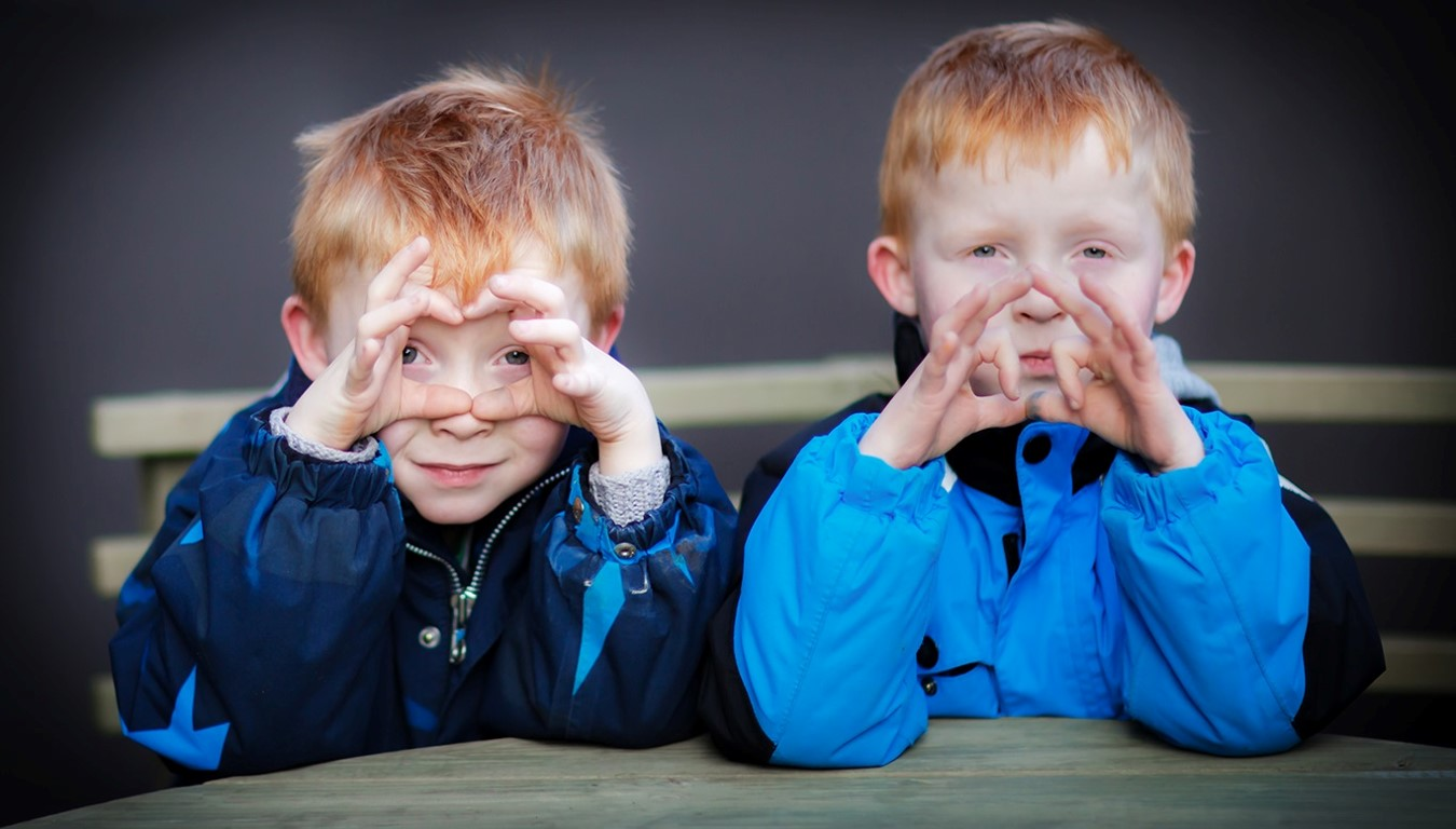 Linus og Rasmus er tvillinger, som begge er født med hjertefejl.
